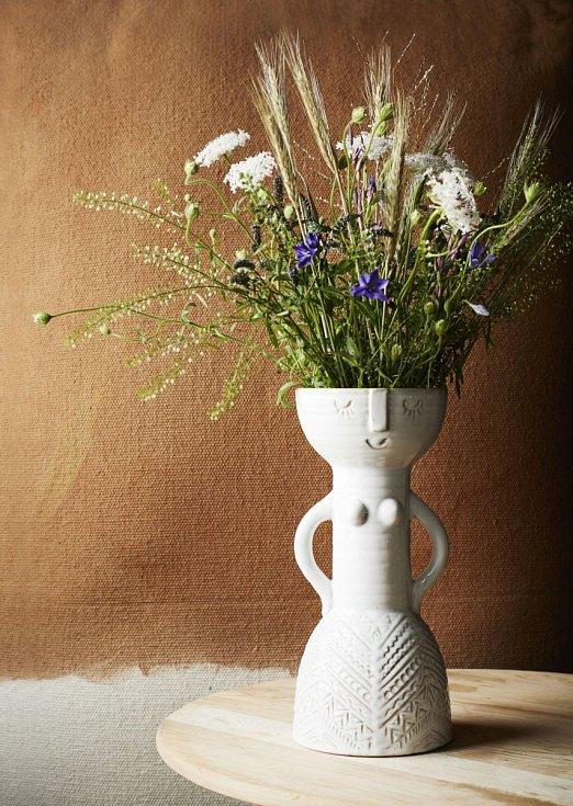 Keramická váza Woman White, 1364 Kč