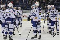 Konec sezony. Hokejisté Brna byli po třetí porážce v předkole od Chomutova smutní i rozčarovaní