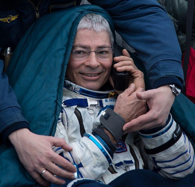 Přistání na základně v Bajkonuru. NASA kosmonaut Mark Vande Hei
