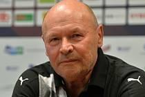 Miroslav Koubek je aktuálně nejstarším trenérem v české lize.