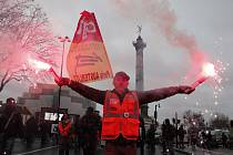Demonstrace odborářů v Paříži na snímku z 9. ledna 2020