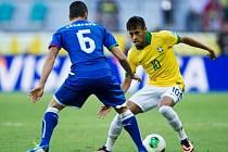 Brazilec Neymar v akci.