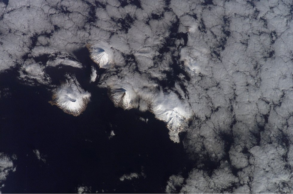 Vulkanický ostrov Carlisle, Aleuty