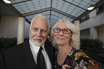 Dan Keller s Fran Kellerovou