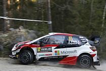 Francouzská posádka Sébastien Ogier, Julien Ingrassia s vozem Toyota Yaris WRC.