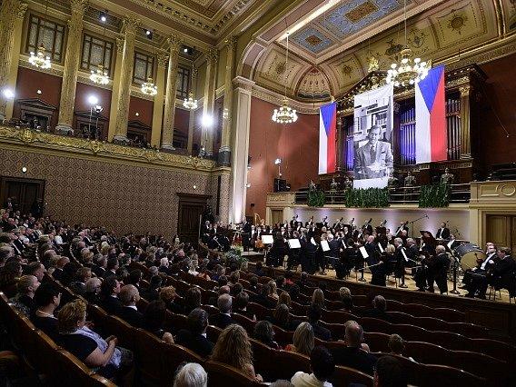 Slavnostní koncert věnovaný výročí nedožitých 80. narozenin bývalého prezidenta Václava Havla se konal 5. října v pražském Rudolfinu.