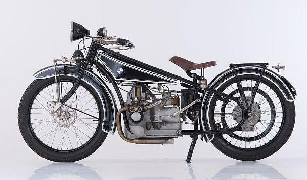 První motocykl od BMW se jmenoval R 32.