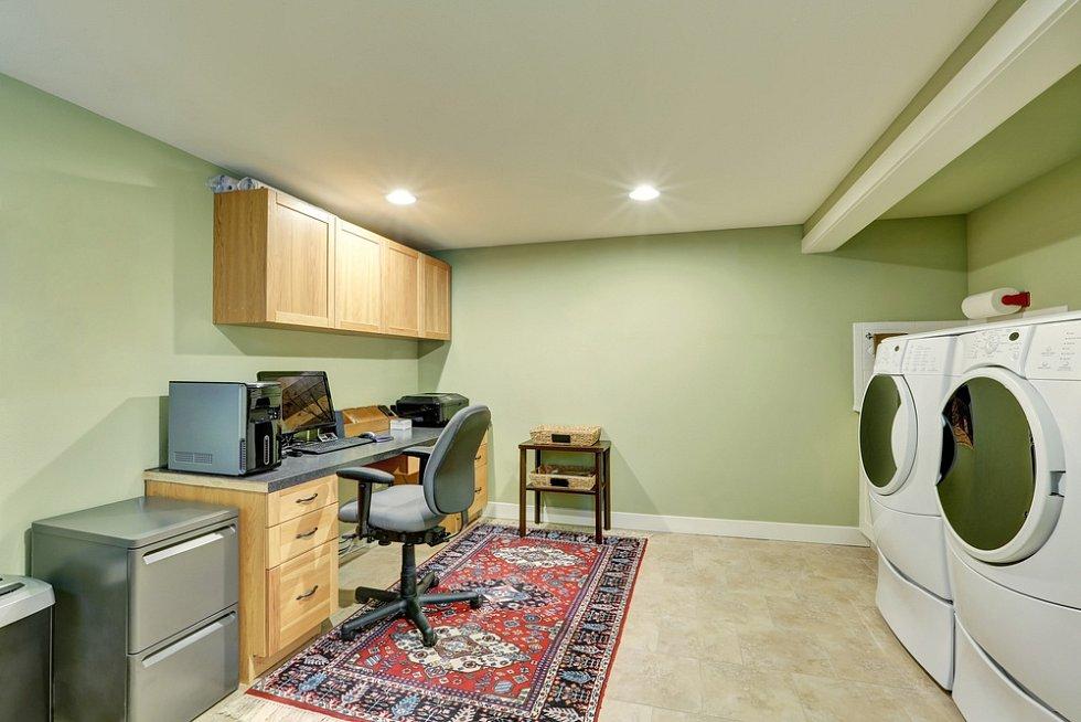 Home office a prádelna v jednom