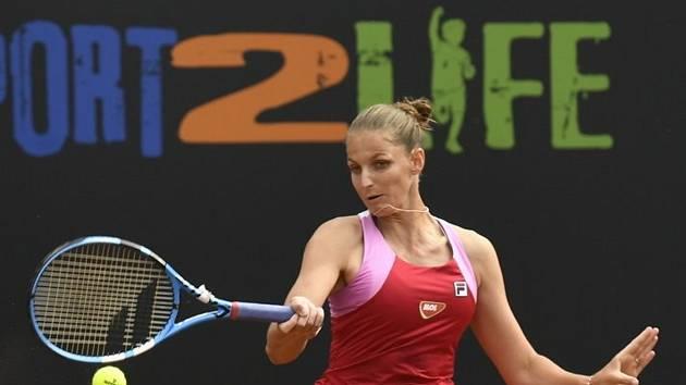 Finále tenisového turnaje žen LiveScore Cup, 6. června 2020 v Praze. Karolína Plíšková v utkání proti Tereze Martincové.