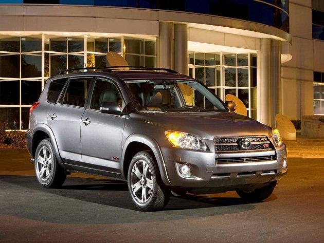 """Společnost Toyota oficiálně spustila výrobu v novém závodě v Kanadě. Ve městě Woodstock v provincii Ontario vyrábí model """"RAV4"""" z kategorie kompaktních vozů SUV do města."""