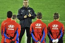 Kouč fotbalové reprezentace připravuje své svěřence na kvalifikaci proti San Marinu. Češi vyhráli 3:0.