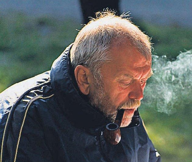 Režisér Viktor Polesný se v krátké době znovu chopil scénáře Pavla Kohouta a Jeleny Mašínové.