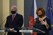 Ministr zdravotnictví Roman Prymula (za ANO) a ministryně financí Alena Schillerová (za ANO).