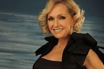 Helena Vondráčková vyráží na turné s Rudoarmějci.