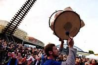 Bubnování pro Bubny, každoroční veřejný happeningje tu.