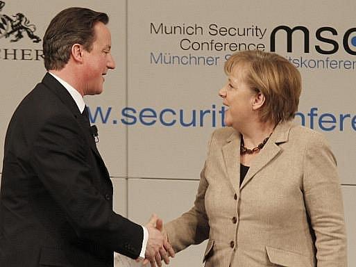 David Cameron a Angela Merkelová na víkendové bezpečnostní konferenci v Mnichově