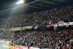 Fanoušci během fotbalového šlágru mezi Spartou a Slavií.