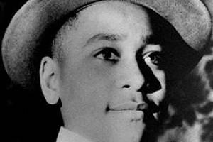 Emmett Till o Vánocích roku 1954, kdy mu bylo třináct. Dalších Vánoc už se nedožil