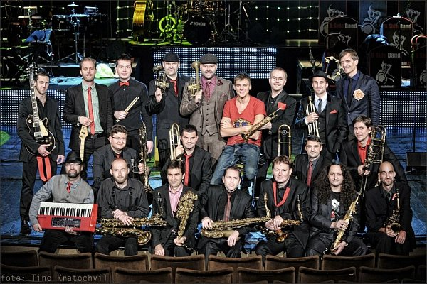 Vojtěch Dyk sbrněnským orchestrem B-Side Band
