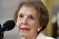 Ve věku 94 let zemřela bývalá první dáma Spojených států Nancy Reaganová.