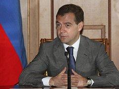 Ruský prezident Dmitrij Medveděv pochválil Evropskou unii za nekonfliktní stanovisko k srpnové intervenci Ruska v separatistických gruzínských regionech Jižní Osetii a Abcházii.