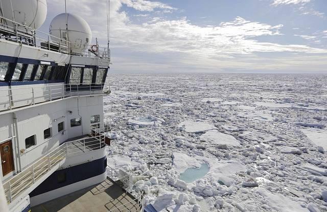Ledoborec v Arktickém oceánu - Ilustrační foto