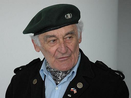 Milan Paumer se aktivně podílel na protikomunistickém odboji a společně s bratry Mašíny se prostřílel do západního Berlína