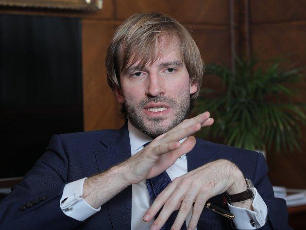 Ministr zdravotnictví Adam Vojtěch poskytl vPraze rozhovor Deníku.
