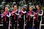 Tenisové finále FedCupu mezi Českou republikou a USA 11. listopadu v Praze. Smutný tým USA, uprostřed slzící Sofia Keninová.