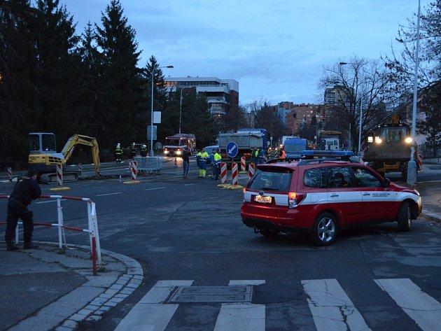 V Jeremenkově ulici v pražském Podolí unikl plyn.