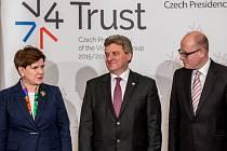 Evropská unie by měla více podpořit Bulharsko a Makedonii při realizaci jejich vlastních opatření k ochraně hranic. Po summitu zemí visegrádské skupiny, Makedonie a Bulharska v Praze to řekl premiér Bohuslav Sobotka.