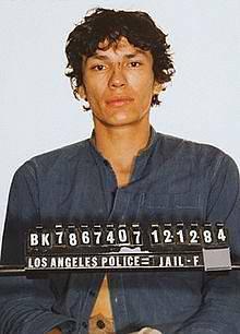 Richard Ramirez po svém prvním zatčení v roce 1984