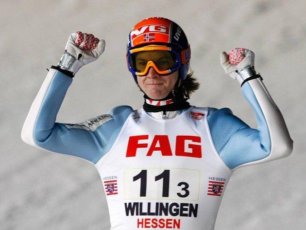 Tom Hilde se raduje, Nosrko vyhrálo závod Světového poháru družstev ve Švýcarsku.