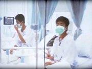Zachránění thajští chlapci jsou v nemocnici.