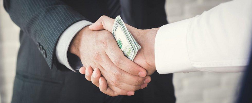 Úplatky, korupce - Ilustrační foto