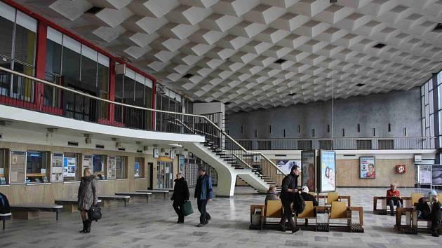 Nádražní budova v Havířově.