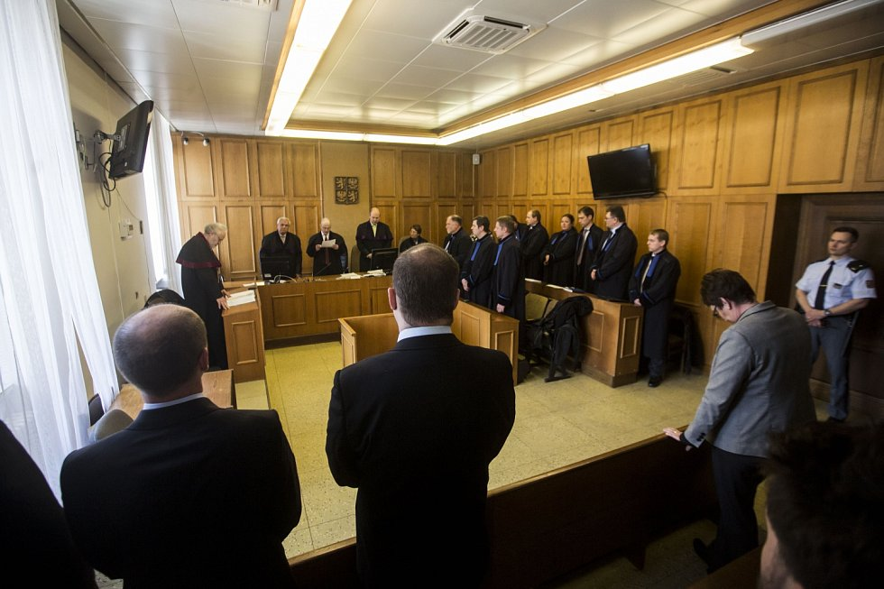 Krajský soud v Praze vynesl 7. dubna první rozsudky v části kauzy bývalého poslance a středočeského hejtmana Davida Ratha a dalších deseti obžalovaných ve věci údajné korupce.