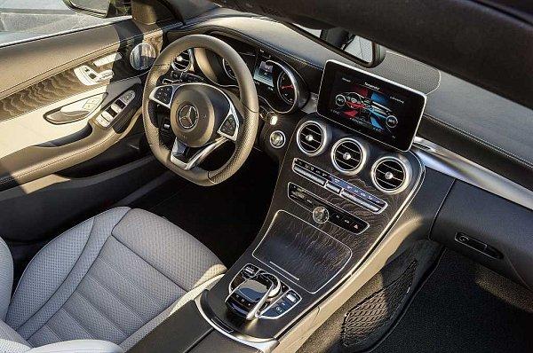 Mercedes-Benz třídy C Kombi.