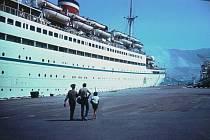 Parník Admiral Nachimov v novorossijském přístavu 31. srpna 1986. Ještě týž večer se potopil