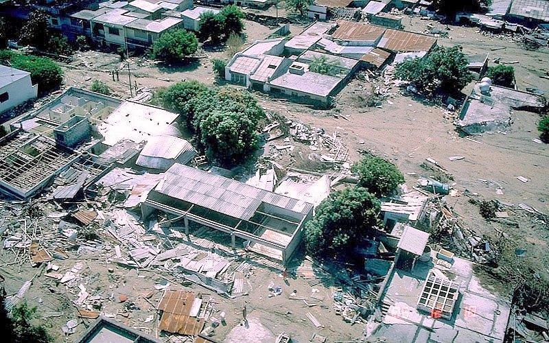 Výbuch sopky Nevado del Ruiz 13. listopadu 1985 a následná bahenní vlna zcela zničily město Armero