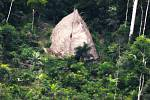 Domorodý kmen v brazilské džungli