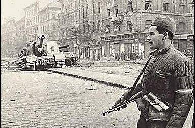 Sovětský voják v Polsku