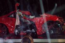 Zničené auto baseballisty Oscara Taverase, talentovaný hráč nehodu nepřežil.