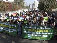 Demonstrace proti karikaturám proroka Mohameda v pákistánském Karáčí.