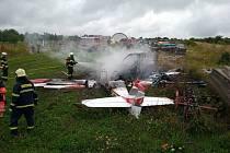 Při nehodě malého letadla na západě Slovenska zemřely 27. srpna 2021 všechny tři osoby na palubě stroje