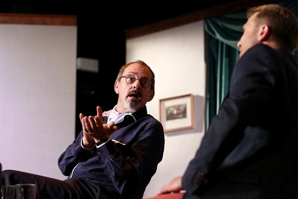 Otakar Brousek je divákům znám z mnoha televizních inscenací a seriálových rolí.