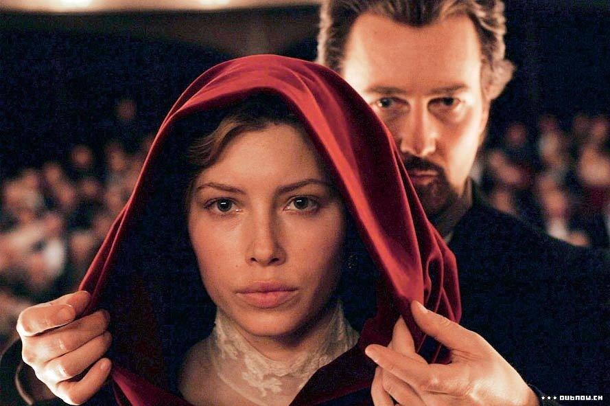 Mysteriózní thriller Iluzionista z roku 2006 jí nabídl jednu z prvních velkých rolí – krásnou snoubenku korunního prince (Rufus Sewell), která miluje tajemného iluzionistu (Edward Norton).