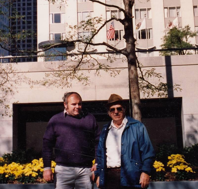 Josef Vávra s otcem v USA v roce 1993.