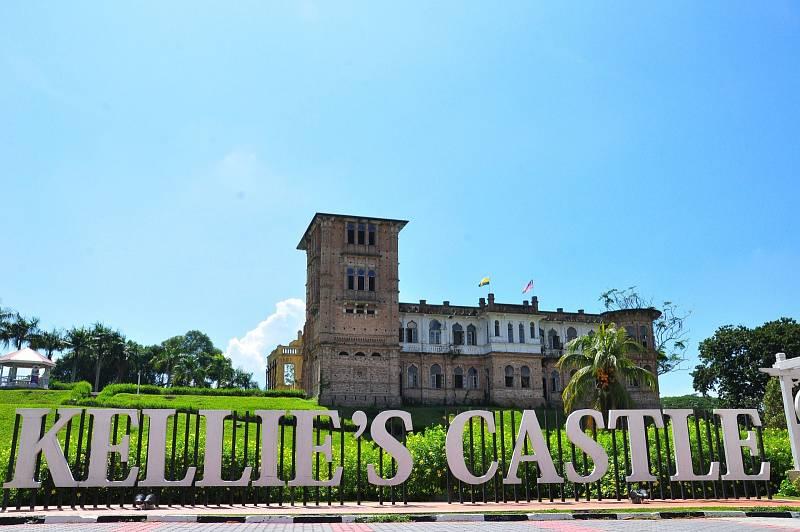 Pravý skotský zámek se dá najít i v Malajzií. Pro svou manželku ho postavil skotský přistěhovalec.