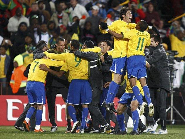 Brazilská radost po závěrečném hvizdu sudího Hanssona.